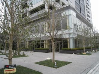 シティハウス武蔵小杉のテナントスペースと公開空地