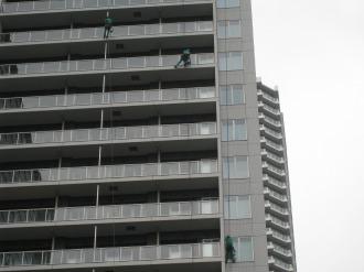 シティハウス武蔵小杉の窓掃除