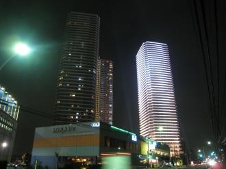 綱島街道からのクラッシィタワー