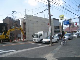 市ノ坪交差点付近での建物取り壊し