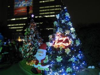 クリスマスツリー群
