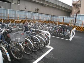 平地式の駐輪場