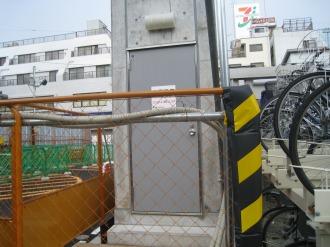 中原変電所地下への入口