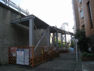 上丸子跨線橋北側の仮管路