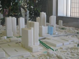 南東から見た再開発模型