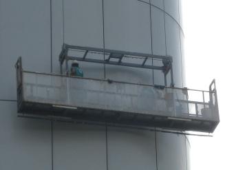 NEC玉川ルネッサンスシティの窓掃除