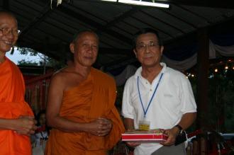 寺院の僧侶の皆さんと