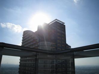 ミッドスカイタワーの最上部
