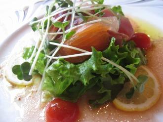 魚介仕立てのサラダ