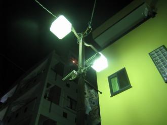 夜間の監視カメラ