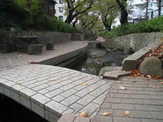 渋川の遊歩道
