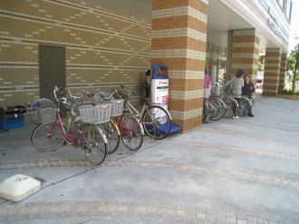 中原市民館前に波及した駐輪