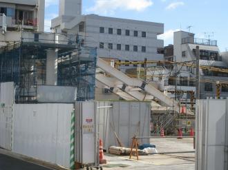 連絡通路跨線橋の横須賀線側